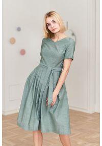 Marie Zélie - Sukienka Elina zielona oxford. Kolor: zielony. Materiał: bawełna, materiał. Długość rękawa: krótki rękaw. Typ sukienki: rozkloszowane. Styl: klasyczny