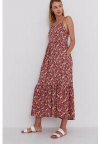 Answear Lab - Sukienka. Kolor: czerwony. Materiał: tkanina. Długość rękawa: na ramiączkach. Typ sukienki: rozkloszowane. Styl: wakacyjny