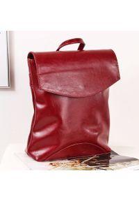 Skórzany plecak damski DAN-A T383 bordowy. Kolor: czerwony. Materiał: skóra. Styl: elegancki