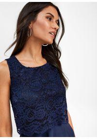 Niebieska sukienka bonprix elegancka, w koronkowe wzory