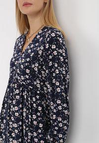 Born2be - Granatowa Sukienka Barbados. Typ kołnierza: dekolt w kształcie V. Kolor: niebieski. Materiał: tkanina, wiskoza. Długość: mini