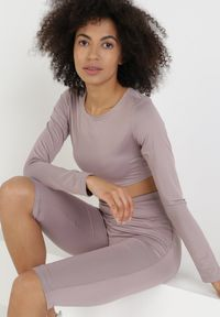 Born2be - Jasnofioletowy 2-Częściowy Komplet Sportowy Rhethine. Kolor: fioletowy. Materiał: materiał. Sport: joga i pilates