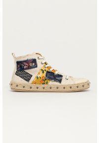 Desigual - Trampki. Nosek buta: okrągły. Zapięcie: sznurówki. Kolor: biały. Szerokość cholewki: normalna. Wzór: haft