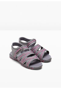 Szare sandały bonprix na lato