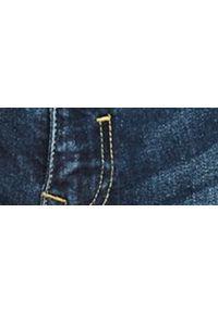 TOP SECRET - Szorty męskie gładkie. Kolor: niebieski. Materiał: jeans, tkanina. Wzór: gładki. Styl: klasyczny, wakacyjny