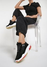 Renee - Czarne Sneakersy Neririal. Kolor: czarny