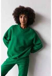 Marsala - Bluza damska o kroju regular fit w kolorze POISON GREEN- BASKET BY MARSALA. Materiał: dresówka, bawełna, jeans, dzianina, poliester. Sezon: lato, jesień, wiosna, zima. Styl: klasyczny