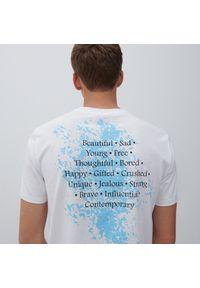 Reserved - T-shirt z napisem - Biały. Kolor: biały. Wzór: napisy