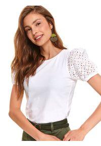 Biały t-shirt TOP SECRET w ażurowe wzory, z krótkim rękawem