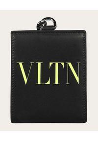 VALENTINO - Czarny portfel na pasku VLTN. Kolor: czarny. Wzór: nadruk, aplikacja #1