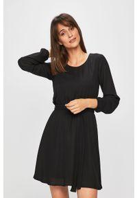 Czarna sukienka Vila mini, rozkloszowana