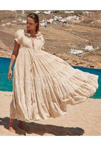 BY CABO - Rozkloszowana sukienka maxi EZE. Kolor: beżowy. Materiał: materiał, koronka. Wzór: koronka. Długość: maxi