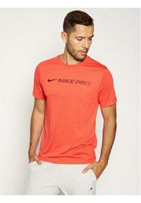 Czerwona koszulka sportowa Nike