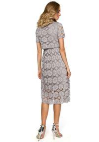 MOE - Koktajlowa wieczorowa koronkowa sukienka. Materiał: koronka. Wzór: koronka, kwiaty. Typ sukienki: dopasowane, rozkloszowane. Styl: wizytowy. Długość: midi