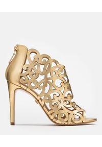 Kazar - Złote botki peep toe damskie. Nosek buta: otwarty. Kolor: złoty. Materiał: skóra #1