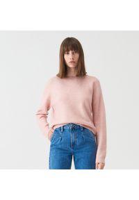 Różowy sweter Sinsay z dekoltem na plecach