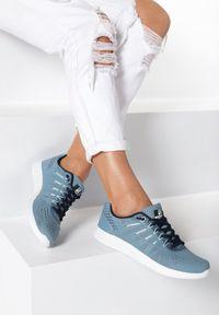 Niebieskie buty sportowe Born2be