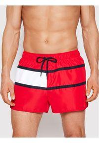 TOMMY HILFIGER - Tommy Hilfiger Szorty kąpielowe Runner UM0UM02056 Czerwony Regular Fit. Kolor: czerwony