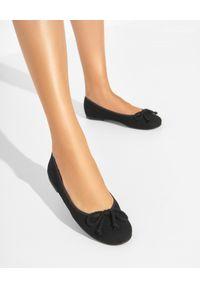 PRETTY BALLERINAS - Czarne baleriny zamszowe Rosario. Okazja: na co dzień. Nosek buta: okrągły. Kolor: czarny. Materiał: zamsz. Styl: casual