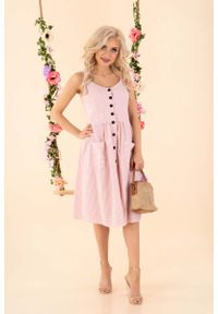 Różowa sukienka Merribel w paski
