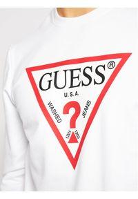 Guess Bluza M1RQ37 K6ZS1 Biały Slim Fit. Kolor: biały