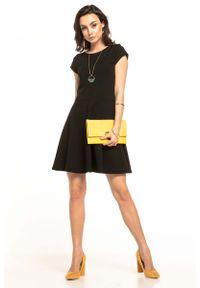 Czarna sukienka rozkloszowana Tessita na lato