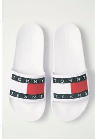 Tommy Jeans - Klapki. Kolor: biały. Materiał: materiał, guma