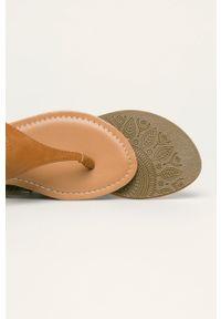 Sandały Haily's z okrągłym noskiem, na klamry