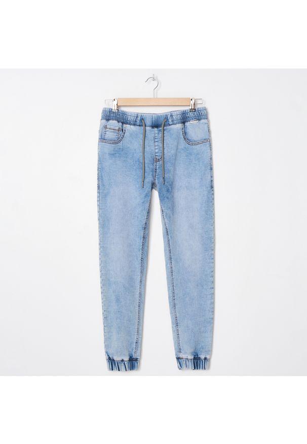 Niebieskie jeansy House