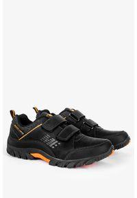 Badoxx - Czarne buty trekkingowe na rzepy badoxx mxc8142/c. Zapięcie: rzepy. Kolor: wielokolorowy, brązowy, czarny