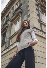 Czarne spodnie VEVA eleganckie, krótkie