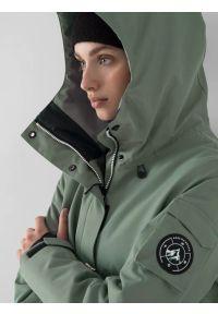4f - Kurtka snowboardowa membrana 15 000 damska. Typ kołnierza: kołnierzyk stójkowy. Kolor: zielony. Materiał: materiał, poliester. Sezon: zima. Sport: snowboard