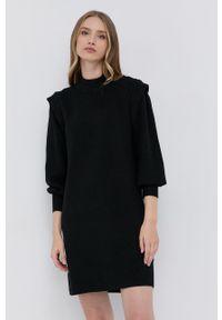 Silvian Heach - Sukienka. Kolor: czarny. Materiał: dzianina. Długość rękawa: długi rękaw. Wzór: gładki