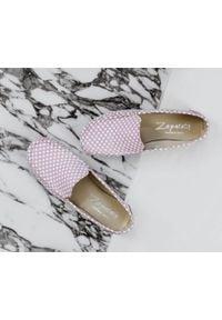 Różowe półbuty Zapato w kolorowe wzory, wąskie, klasyczne
