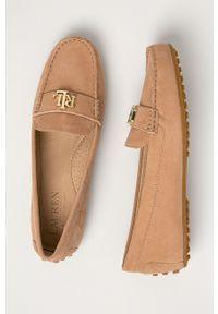 Lauren Ralph Lauren - Mokasyny zamszowe. Nosek buta: okrągły. Kolor: beżowy. Materiał: zamsz