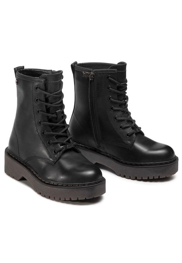 Czarne buty trekkingowe Xti