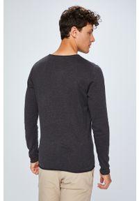 Szary sweter Selected z okrągłym kołnierzem