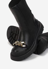 Renee - Czarne Botki Belasis. Nosek buta: okrągły. Zapięcie: bez zapięcia. Kolor: czarny. Materiał: skóra, guma. Obcas: na obcasie. Wysokość obcasa: niski