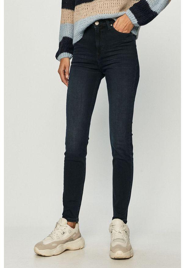 Niebieskie jeansy Lee