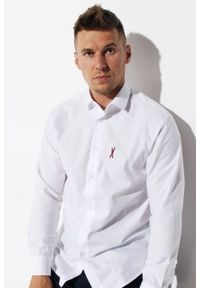 """Koszula Edward Orlovski Biała """"Bordo"""". Typ kołnierza: kołnierzyk klasyczny. Kolor: biały. Materiał: bawełna, włókno. Długość rękawa: krótki rękaw. Długość: krótkie. Styl: elegancki"""