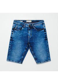 Cropp - Jeansowe szorty basic - Niebieski. Kolor: niebieski. Materiał: jeans