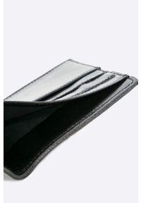 Czarny portfel Solier #4