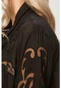 Czarna koszula Desigual z klasycznym kołnierzykiem, z długim rękawem