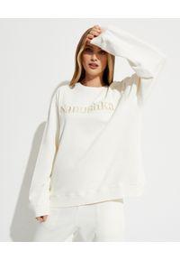 NANUSHKA - Biała bluza z logo Remy. Okazja: na co dzień. Kolor: biały. Materiał: jeans. Długość rękawa: długi rękaw. Długość: długie. Styl: casual