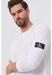Calvin Klein Jeans - Longsleeve. Okazja: na co dzień. Kolor: biały. Materiał: bawełna, dzianina. Długość rękawa: długi rękaw. Styl: casual
