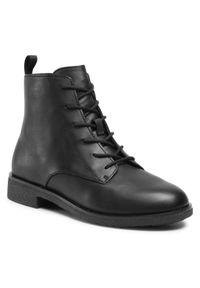 Clarks - Botki CLARKS - Griffin Lace 261510354 Black Leather. Okazja: na co dzień, na spacer. Kolor: czarny. Materiał: materiał, skóra ekologiczna, skóra. Szerokość cholewki: normalna. Sezon: jesień, zima. Obcas: na obcasie. Styl: casual. Wysokość obcasa: średni