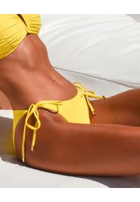 CAHA CAPO - Żółty dół od bikini Cherie. Kolor: żółty. Materiał: materiał