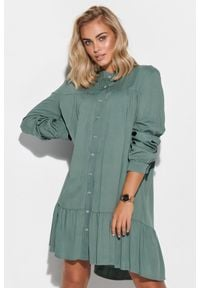 Makadamia - Luźna Koszulowa Sukienka z Falbanką - Khaki. Kolor: brązowy. Materiał: wiskoza. Typ sukienki: koszulowe