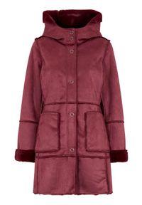 Cellbes Płaszcz z imitacji zamszu burgundowy female czerwony 34/36. Typ kołnierza: kaptur. Kolor: czerwony. Materiał: zamsz. Wzór: aplikacja
