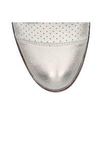 Botki Arturo Vicci z cholewką, w ażurowe wzory